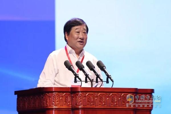 谭旭光出席高峰论坛并作主题演讲