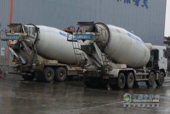 吉平建材公司陆续采购了39台华菱星马混凝土搅拌车