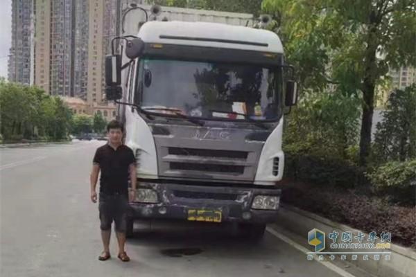 厦门旺大物流司机与超过百万公里的江淮格尔发