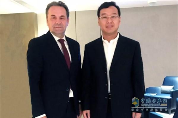 王锋董事长和塞尔维亚副总理Rasim Ljajic先生合影