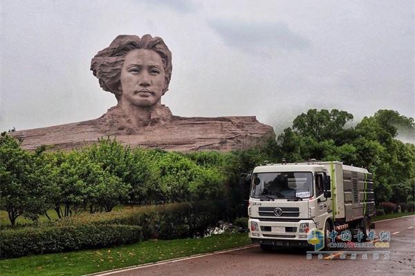 东风商用车纯电动智能环卫卡车
