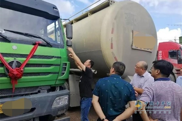 北奔重汽党委副书记、总经理郭平晓调研浙江市场