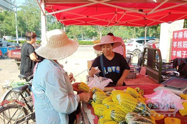 福田祥菱杨姐可是水果行当资深销售精英,这位买主选择以现金支付