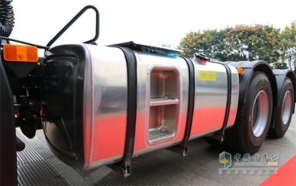 格尔发K5W配备750升的大油箱
