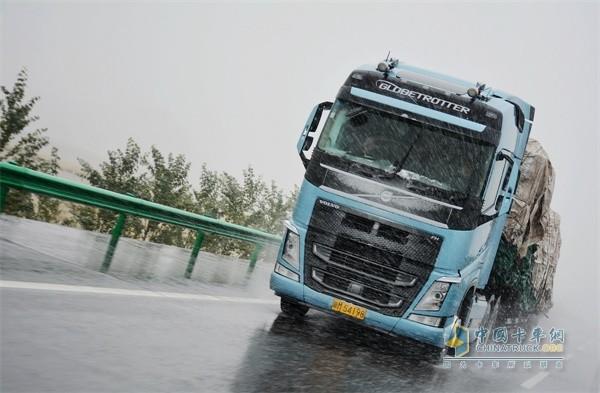 沃尔沃卡车以品质与安全赢得驾驶员与客户的信赖