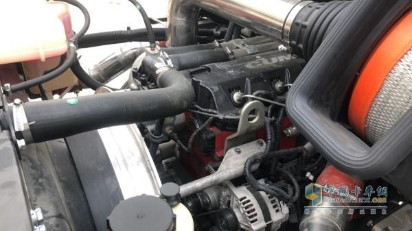 江淮格尔发长头车V7配装的康明斯510发动机