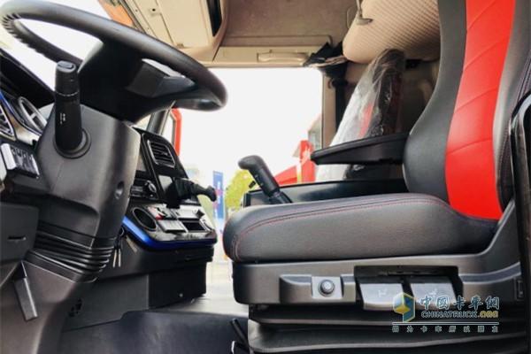 一汽解放青汽龙VH2.0载货车驾驶室