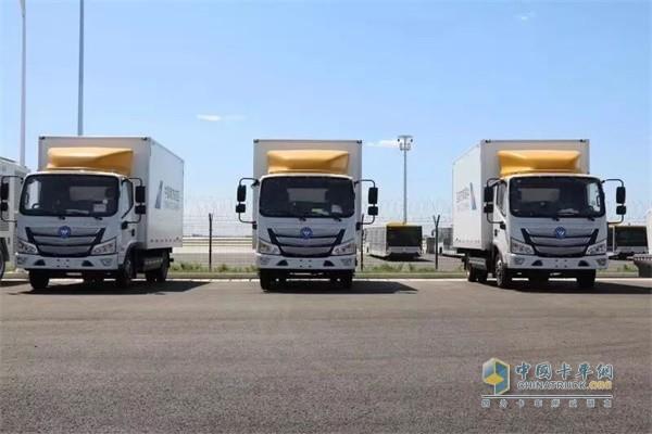 已交付南航在大兴机场使用的欧马可智蓝新能源物流车
