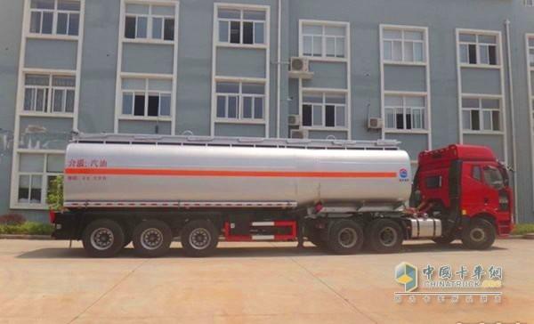 禁止危险物品运输车辆和大件运输车辆通行