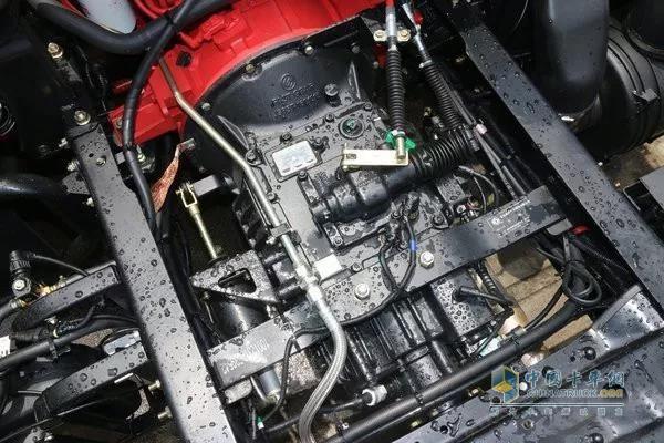 东风多利卡D9搭载康明斯发动机