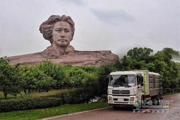 东风商用车智能环卫卡车