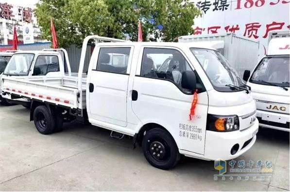 江淮轿卡X6双排全新设计
