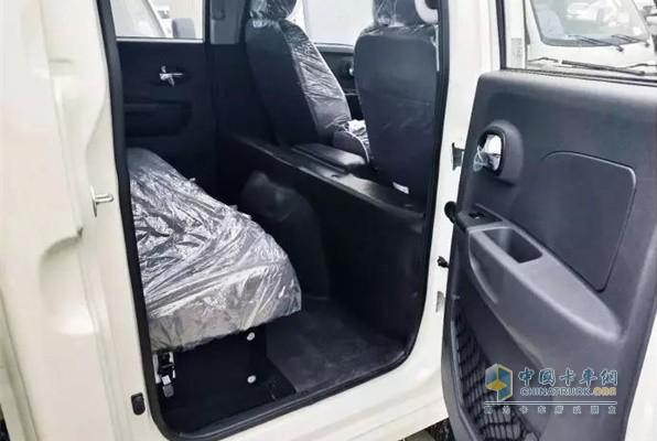 江淮轿卡X6双排驾驶室