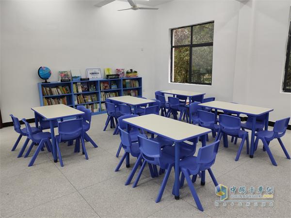 沃尔沃卡车联合灵山图书馆计划为井冈山市沉塘小学捐赠的图书馆
