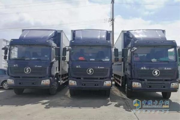 玉柴机器装配陕汽L3000载货车用于上海德邦快递运输