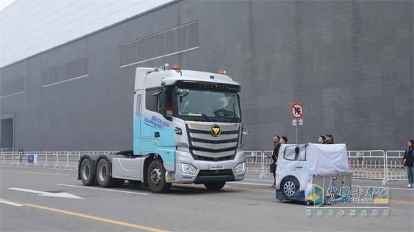 福田汽车欧曼重卡AEBS系统静止车模测试环节