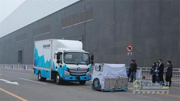 福田汽车福田自动驾驶轻卡AEBS系统静止车模测试环节