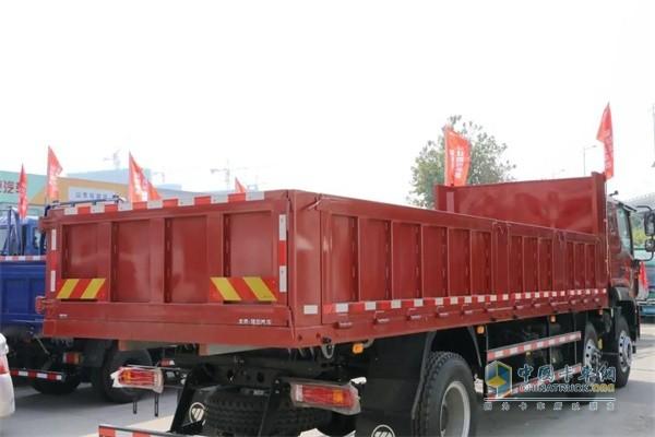 福田瑞沃ES5搭载长货厢和7开门的设计