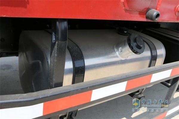 福田瑞沃ES5铝合金油箱