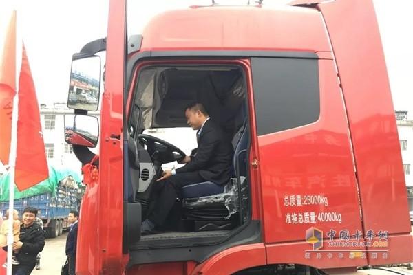 福田戴姆勒卡友看车、试车