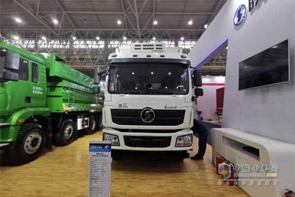 陕汽德龙L3000 4x2低温冷藏运输车