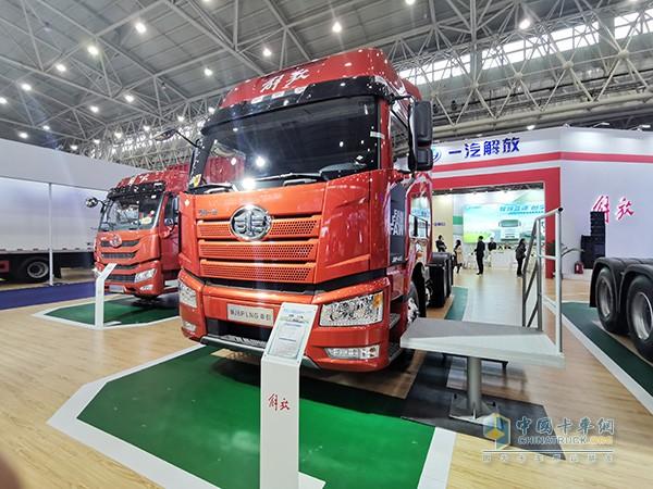 新J6P LNG牵引车