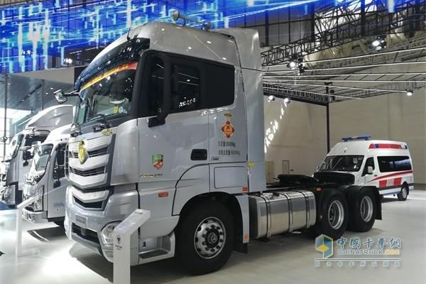 福田康明斯2019款欧曼超级卡车
