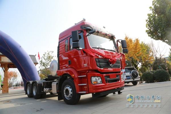 国六LNG重卡430马力输出