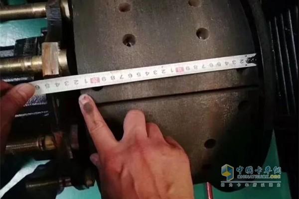 陕汽重卡220mm制动蹄片