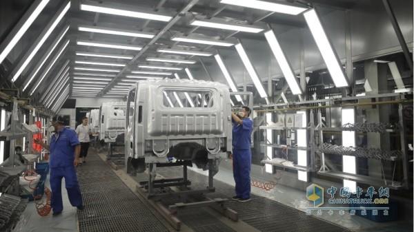 13道质量检车工序之一 ·车身涂装质量检测