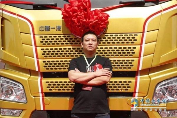 解放节油明星唐启辉和他的JH6黄金重卡
