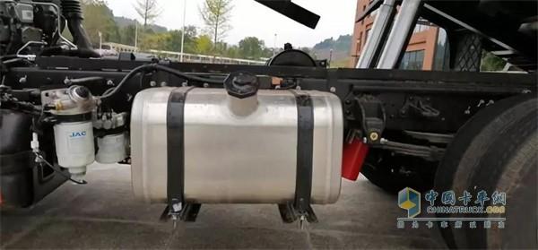 江淮D6177小轴距工程车轻量化