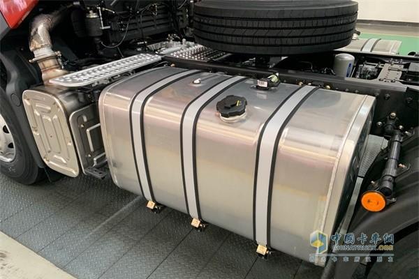 乘龙H7北方版原装燃油加热