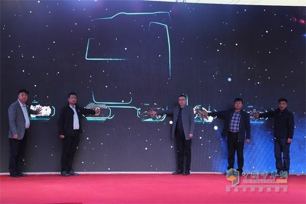 陕汽德龙X5000在京津区域正式上市发布