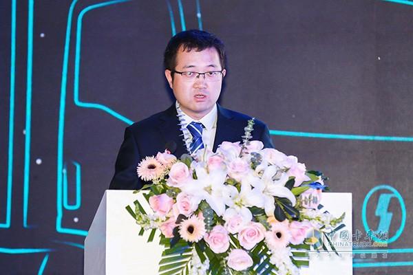 山东汽车制造有限公司副总经理销售公司总经理郭攀