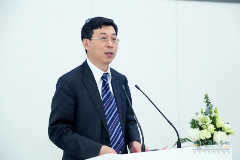 中国电动汽车百人会秘书长张永伟致辞