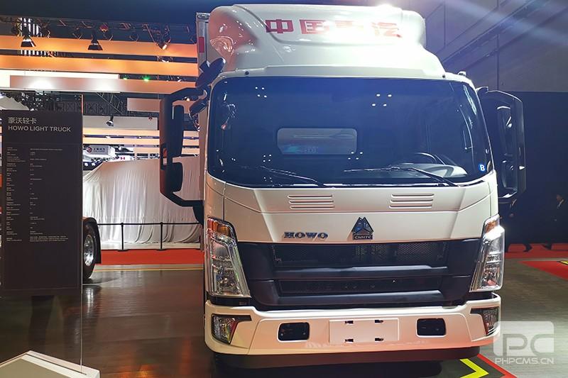 重汽HOWO轻卡 160马力 4×2 国六 厢式载货车