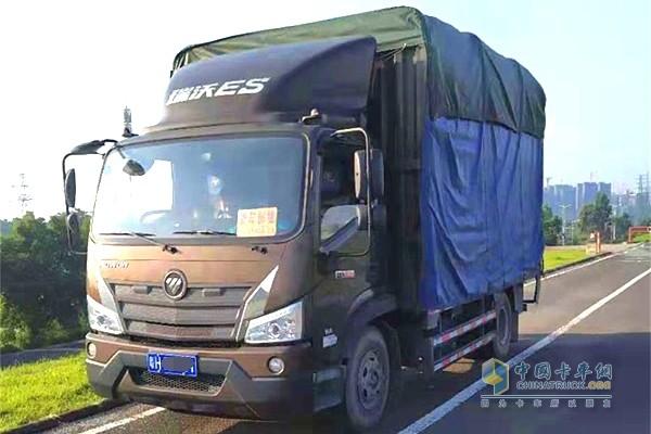 谈庆林认为福田瑞沃ES3能拉,能够保证将货物准时、安全送达客户手中