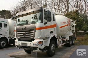 联合卡车U350 350马力 6X4 混凝土搅拌车