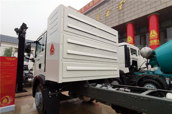 TX5 6×4纯电动环卫车