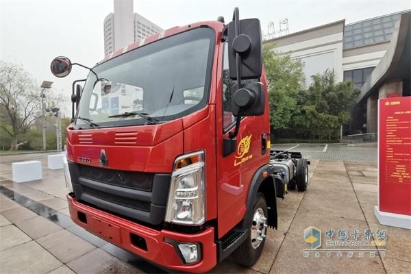 豪沃轻卡 悍将4x2载货车——全能王(潍柴3L 国六机)
