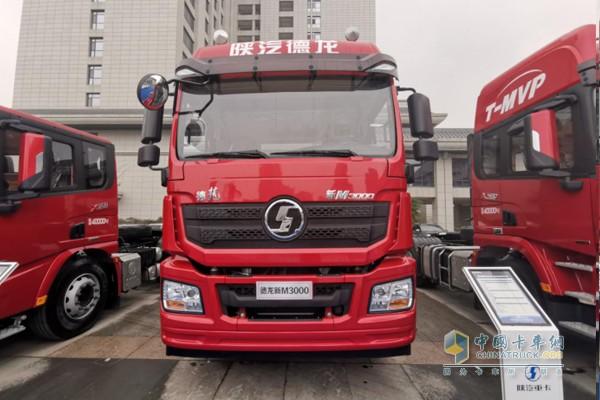 新M3000标柜版港口牵引车
