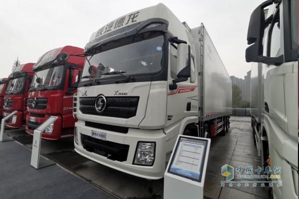 德龙X3000轻快版冷藏载货车,采用新飞专汽上装,动力为潍柴WP11发动机,460马力输出,最大输出扭矩2110N·m;