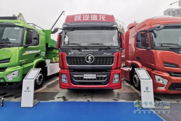 德龙X5000氢燃料电池牵引车