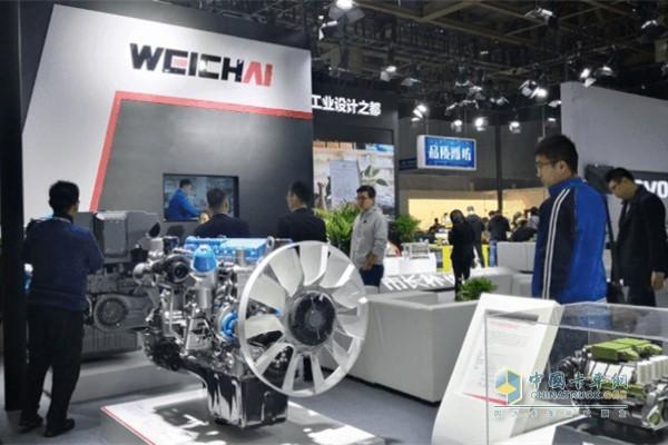2019世界工业设计大会上潍柴WP8、WP9H、WP17等高端动力产品赢得了嘉宾纷纷点赞