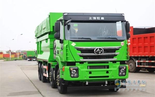上汽红岩国六LNG杰狮C6自卸车节省运营成本