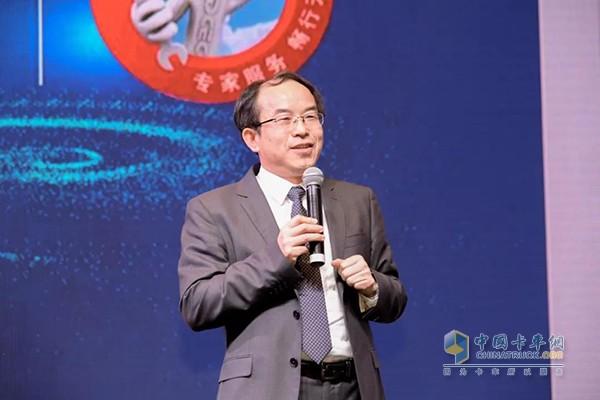 东风康明斯柴油机(陆用发电机组驱动型)有限公司总经理徐大千先生