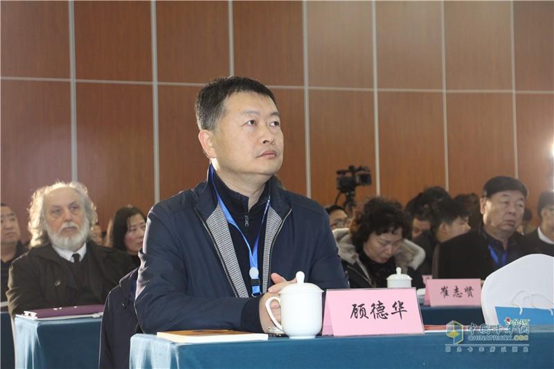 3-福田汽车集团副总裁、欧马可事业部总裁顾德华