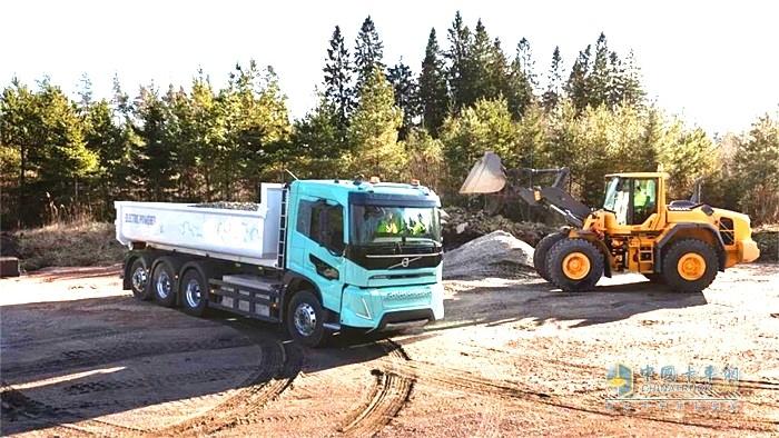 沃尔沃电动概念卡车开展运输业务