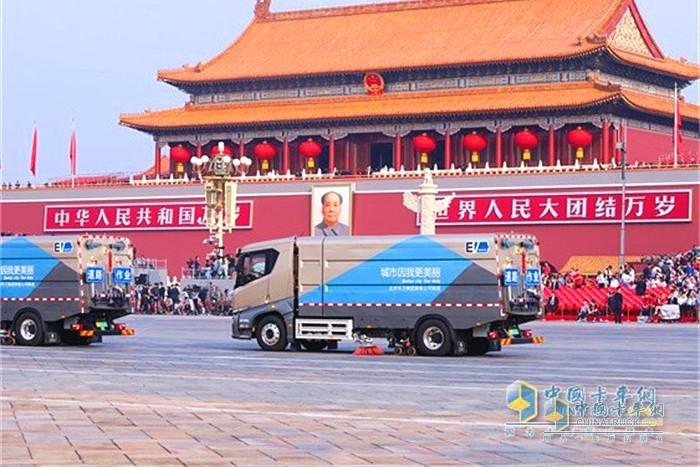 比亚迪多次为阅兵盛典中展示中国顶尖的纯电动重卡技术